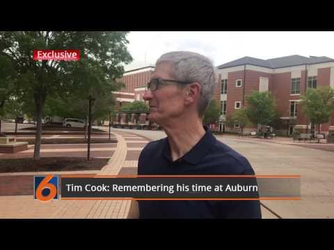 Tim Cook on Auburn's campus