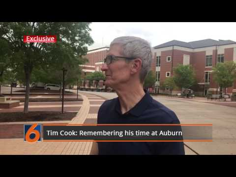Tim Cook on Auburn's campus