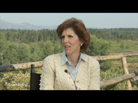 Mester on the Fed's Strategy for Inflation and Growth