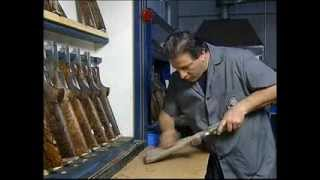 1/2 Beretta Premium Guns: la finitura calci e astine | The craft of stocks and fore-ends