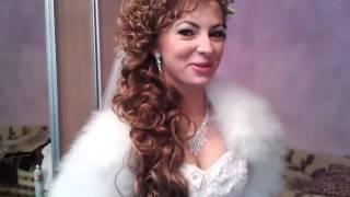 видео Свадебные прически с фатой: 35 новых моделей