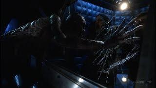 Призрак Времени нападает на Циско, Кэйтилн и Хартли | Флэш (2 сезон 17 серия)