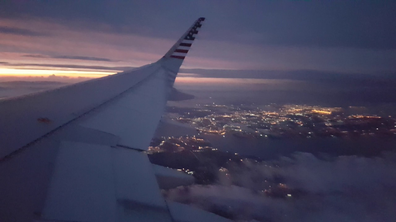 Relaxing Plane Sound With Lightning Storm While Flying Youtube