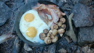 Bushcraft Camping Cooking Ideas Uk Bushcraft Breakfast Bacon And Eggs In The Woods