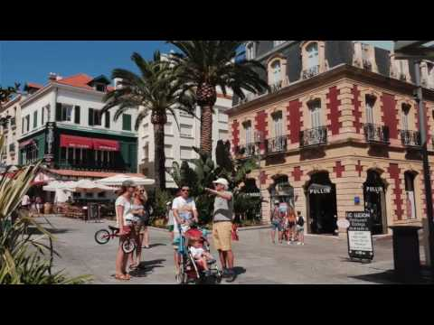 Sightseeing in Dax and Biarritz