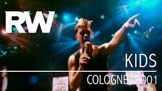 Video Robbie Williams | Kids | Live In Cologne 2001 download MP3, 3GP, MP4, WEBM, AVI, FLV April 2018