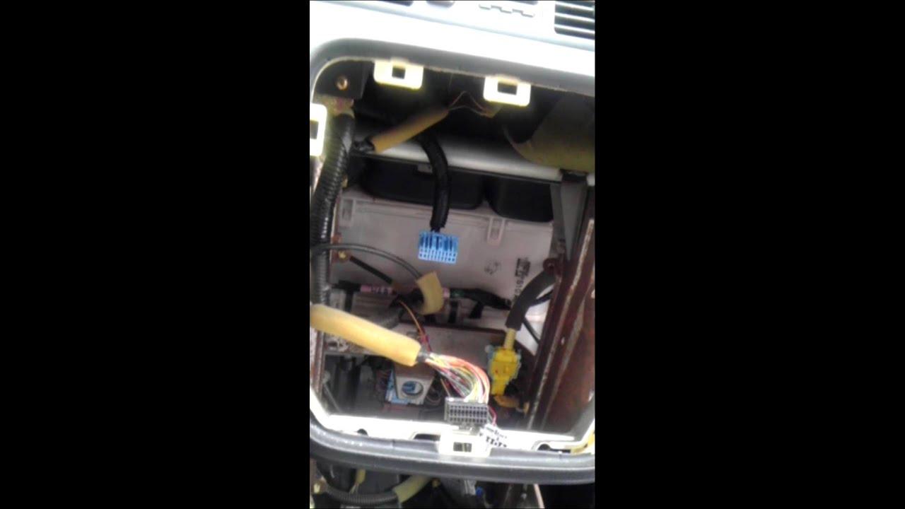 1999 Honda crv New radio install - YouTube on 1999 mitsubishi eclipse radio wiring, 2006 honda pilot radio wiring, 1999 jeep cherokee radio wiring,