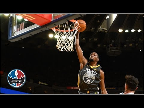 Warriors go on ridiculous shooting stretch to knock off Spurs | NBA Highlights