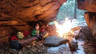 No Tent Winter Camṗing During Snow Storm - Exploring Natural Stone Maze
