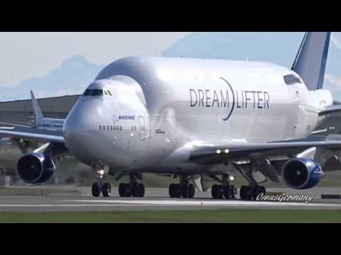 Head-On Boeing DreamLifter 747LCF Landing @ KPAE Paine Field