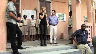 Shakira visit to Haiti / Visita de Shakira a Haití