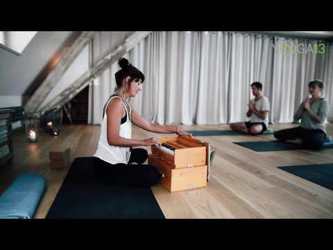 Yoga13 Jivamukti Harmonium Mantra Impression