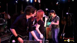 Video Paramore - Pressure - Live On Fearless Music HD download MP3, 3GP, MP4, WEBM, AVI, FLV Agustus 2018