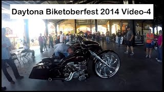 Biketoberfest in Daytona Beach, Florida EUA - 4/4
