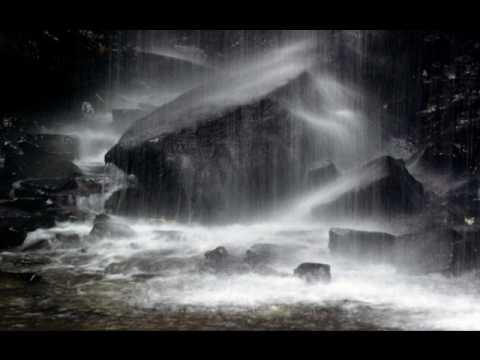 barulho de chuva com trovo