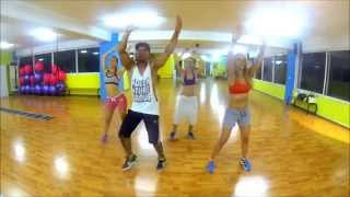 Shakira - La La La (Brazil 2014) ft. Carlinhos Brown by Saer Jose