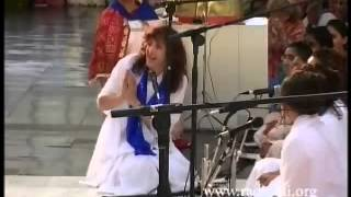 Shalom group from Australia sing songs of peace to Bhagawan Sri Sathya Sai Baba