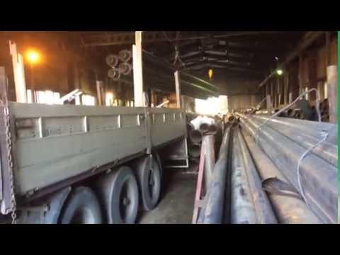 Погрузка трубы ППУ на заводе УЗТИ