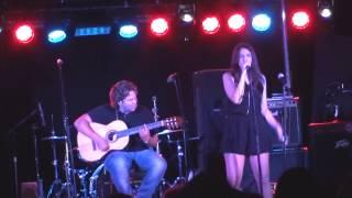 Mil tragos de ron - Lydia Martín en Garage Beat Club