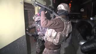 Video Polis Özel Harekat Operasyon Kesintileri (10 Nisan 2018) download MP3, 3GP, MP4, WEBM, AVI, FLV Juli 2018