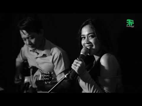 PAMER BOJO ~ Cover By XENA XENITA Ft Om Mbalelos [dangdut Akustik]