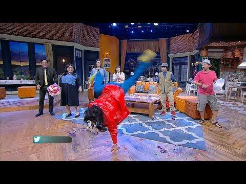 Penyanyi Sambil Salto Ini Hampir Bikin Nunung Ngompol