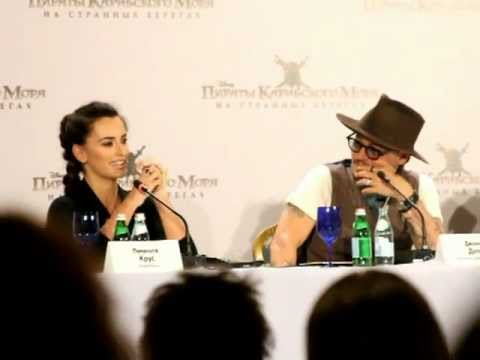 Johnny Depp & Penelope Cruz in Moscow - YouTube джонни депп