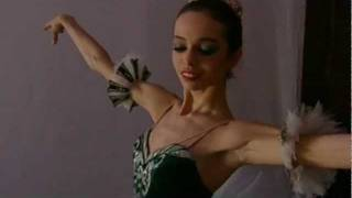 Prix de Lausanne Video Advent Calendar - Day 12 - Diana Vishneva(Diana Vishneva - For its 40th anniversary and as Christmas approaches, the Prix de Lausanne invites you to discover or rediscover its universe through a video ..., 2011-12-08T17:55:30.000Z)
