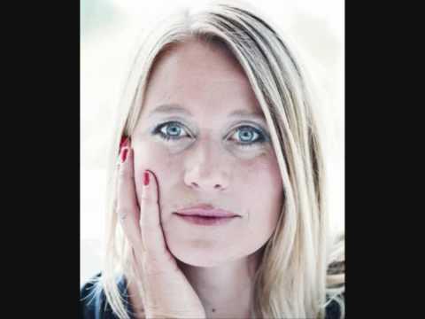 Trine Dyrholm  Stille I Verden