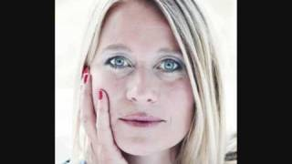 Repeat youtube video Trine Dyrholm - Stille I Verden