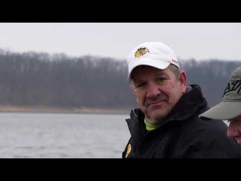 Shelbyville Slabs! Winter Single Pole Jigging For Crappie On Lake Shelbyville, Illinois