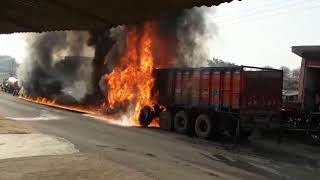 FIRE IN TRUCK | ट्रक में लगी आग | thevoicese.in