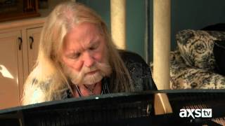 "Gregg Allman plays ""Oncoming Traffic"" for Dan"