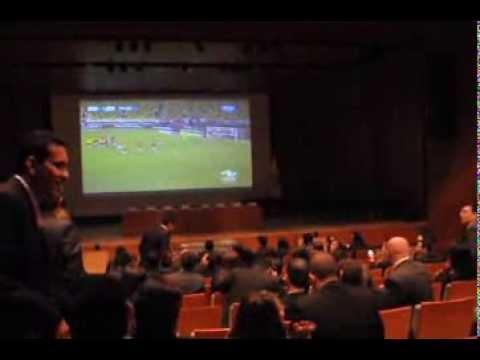 Colombia vs Chile antes de los grados en Universidad de los Andes