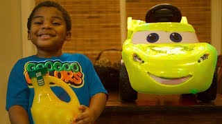 LEARN COLORS WITH LIGHTNING MCQUEEN COLORFUL FRUIT JUICES AND GOO GOO GAGA