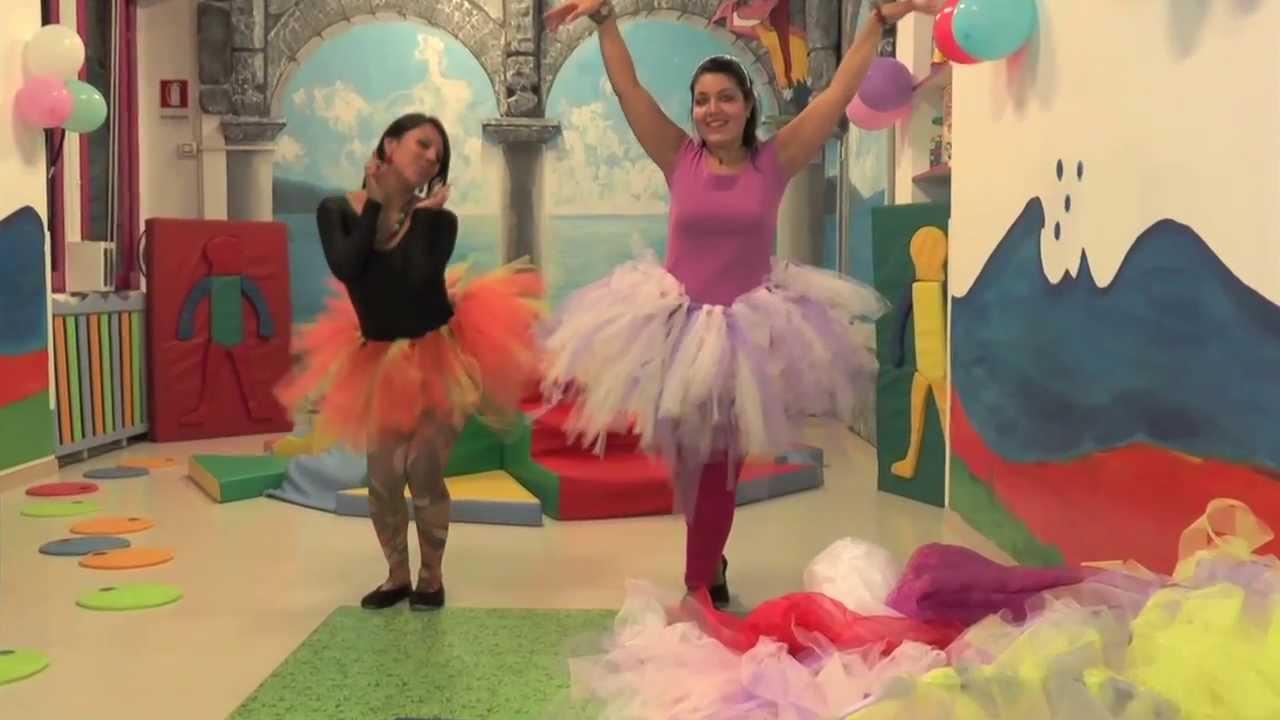 Come realizzare un costume da principessa per la nostra bimba - YouTube a8bd99d4a810