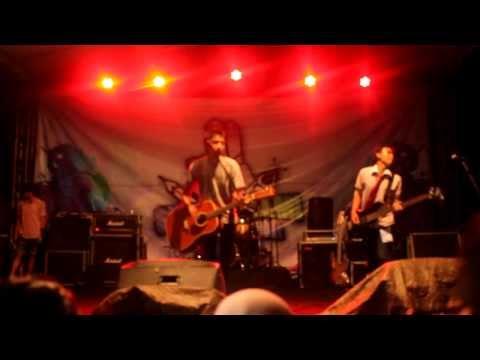 Fiersa Besari - Celengan Rindu Live || Bandung