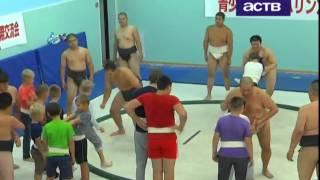 Опытные японские сумоисты провели мастер-класс для молодых сахалинских спортсменов
