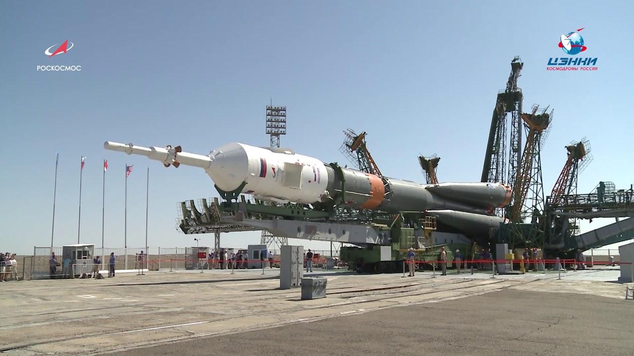 Вывоз ракеты-носителя «Союз-ФГ» с кораблём «Союз МС-13»