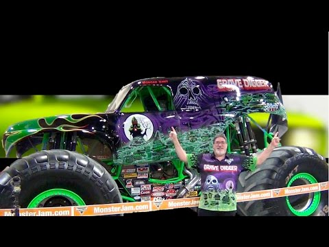 ✅ Monster Jam Grave Digger - Morgan Kane - Pit Party - Indianapolis 2017