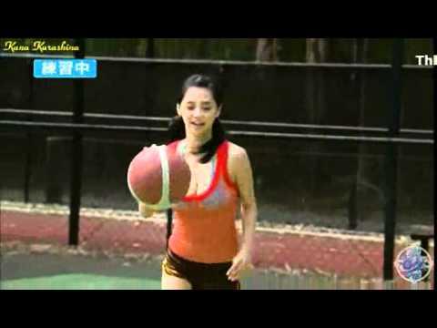 girl xinh Kana Kurashina chơi Bóng rổ (play basketball)
