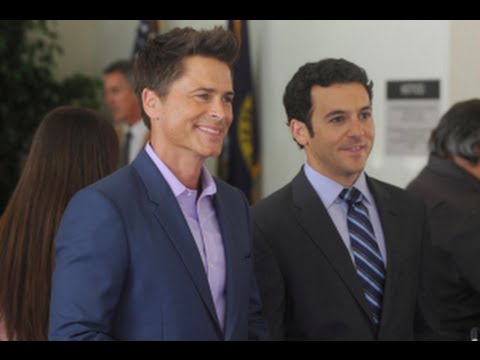 Download The Grinder Season 1 Episode 13 Review & After Show | AfterBuzz TV