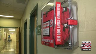 """Northwestern Medical Center Auxiliary donates """"Stop the Bleed"""" kits to Vt. schools"""