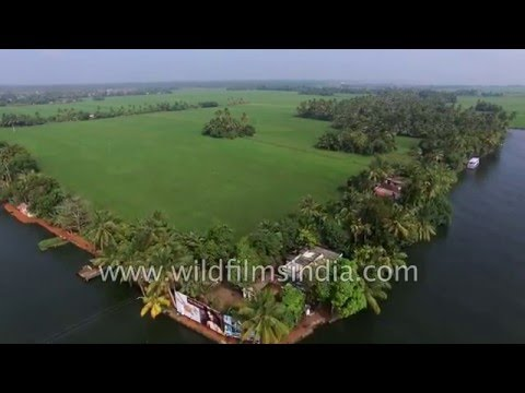 Flying over Kerala : backwaters lagoon one side, ocean on other