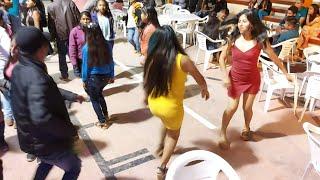 Lleno Total En El Baile De Tres Cruces Con El Grupo / Fiesta Costeña / Popurrí De Sones