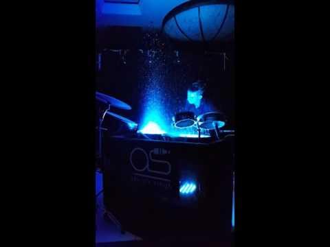Apoorv singh and Gurdeep Mehndi jamming live with Liquid Drums