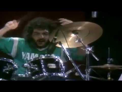 Steve Gadd Drum Solo from Grover Washington Jr Live - Mr Magic 1980