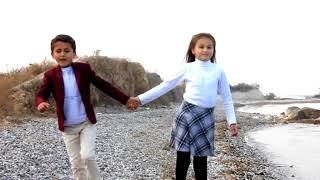 Русская Девочка и Таджикский мальчик с Индиской песней