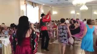Медики Лиманского района празднуют: танцы до упада
