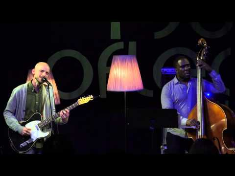 "Alan Hampton feat. Derrick Hodge - ""Easy Prey"" @ musig im pflegidach, Muri"